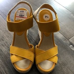 New Nine West Yellow Wedge Sandals
